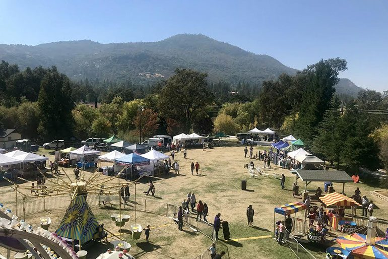 Things To Do In Oakhurst Ca 2019 Tourism Town Square