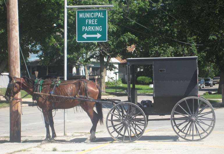 Amish Community in Oelwein Iowa - Town Square Publications