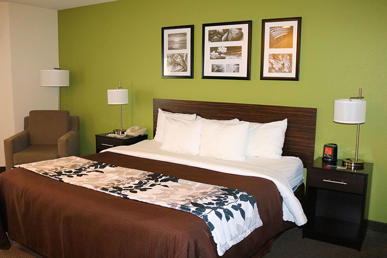 ontario or hotels and motels town square publications. Black Bedroom Furniture Sets. Home Design Ideas